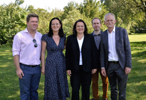v.l.n.r.: Florian Post (MdB), Claudia Tausend (MdB), Bundesministerin Andrea Nahles, Mike Malm (Bezirksrat), Hans-Ulrich Pfaffmann (MdL)